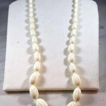 Vintage cream necklace, 1960s vintage necklace, off-white plastic bead necklace, vintage ivory costume jewelry, long antique white beads