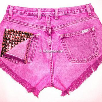 High Waisted Studded Shorts, Vintage Denim Shorts, High Rised Shorts, Fashion, Plus Size Shorts, Levi, Guess, Wrangler, Lee, etc.