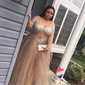 New Plus Size Prom Dresses See through Sexy Luxury Beaded Crystal Long Off-the-shoulder Tulle Party Gowns vestido de festa P1876