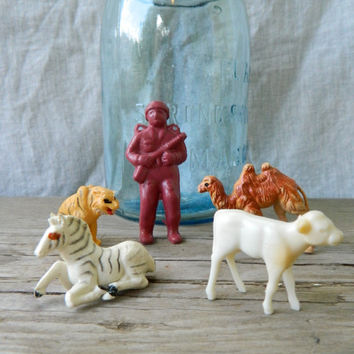 Set of 5 vintage miniature plastic animal toys