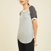 Flatter Up! T-Shirt in Print Mix | Mod Retro Vintage Short Sleeve Shirts | ModCloth.com