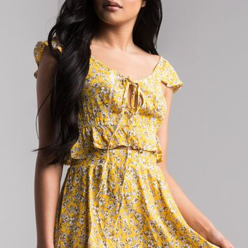 AKIRA Stretchy Waist Floaty Floral Mini Skirt in Yellow