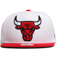 Chicago Bulls XL Logo Two Tone Snapback Hat White / Red
