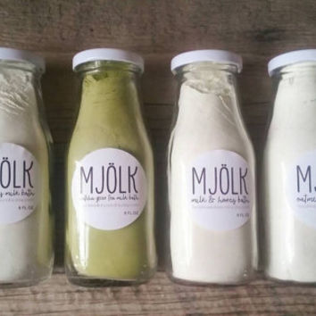 Milk Bath Powder Soak for Relaxation (8 oz - Choose from Honey, Kaolin Clay, Matcha Green Tea, and Oatmeal)