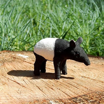 Tapir figurine of clay, tapir handmade Sculpture, Animal Sculpture, miniature animal, miniature tapir totem, collectible figurine gift ideas