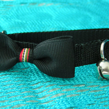 Yuppie Pet Bow Tie Adjustable Collars, Cats and Small Dogs, Everyday Wear of Black Collars with Black Bow Tie in a Yuppie Stripe.