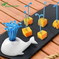 1Set Gadget Cute Whale Water Spray Fruit Fork Animal Whale Fruit Sign Kitchen Tools Kitchen Accessories Fruit Decoration,W