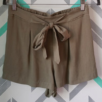 Tie Waist Pintuck Front Shorts - Olive Green