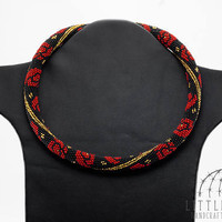 Red Rose Necklace, Beaded necklace, Crochet necklace, Minimalist necklace, Rose pattern, Gold line, Seed Bead Jewelry, Black necklace
