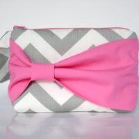Bridesmaid Clutch Pouch Cosmetic Case MakeUp Bag Wristlet Accessory Pouch Zippered Grey & White Chevron with Pink Side Bow