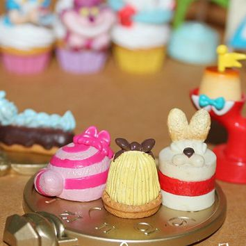 Collection Rare Alice In Wonderland Flower Cake Peach Poker Soldier Pink Cute Food Figure Toy Birthday Gift