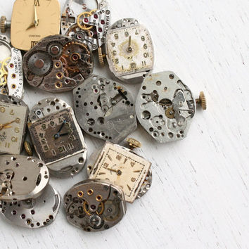 Vintage & Antique Watch Movement Lot - 15 Small Clock Pieces for Parts, Jewelry Making - Elgin, Bulova, Seiko - Steampunk Supplies