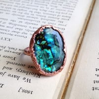 Green Paua Shell Cocktail Ring - Size 8