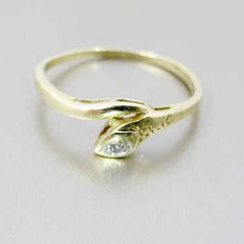 Gold Snake Ring. Vintage 14K Yellow Gold Diamond Snake Ring. Gypsy Set Diamond. 1940's Snake Jewelry.