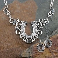 Scroll Rose Horseshoe Set