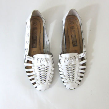 vintage white leather huaraches • woven leather sandals. women's size 8.5