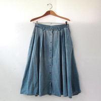 20% OFF SALE / 80s Jean Skirt. Button front skirt. Distressed denim skirt. Pocket skirt. Boho jean skirt.