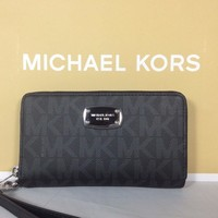 One-nice™ NWT Christmas Gift Michael Kors Black Multifunction Phone Case Wallet Wristlet