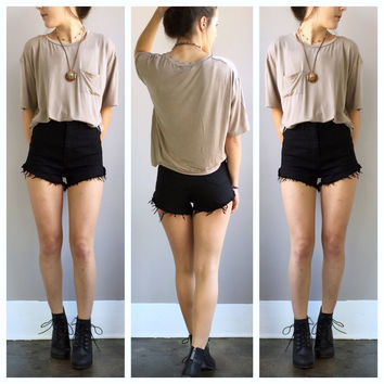 A Boyfriend Cropped Tee in Beige