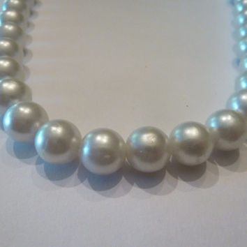 Vintage Pearl Necklace Silver Clasp Costume Jewelry Prom Bride Wedding