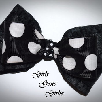 Black and white hair bow , Halloween hair bow , polka dot bow , toddler Halloween , baby Halloween , boutique bow , ready to ship