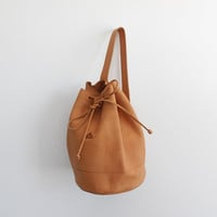 Vintage 80s Tan Leather Drum Bag | Bucket Purse