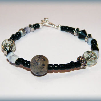 Bohemian bracelet - black, grey, white and silver - toggle clasp
