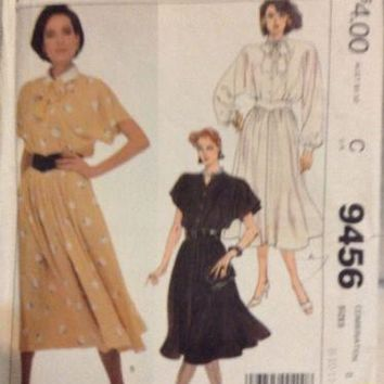 McCalls 9456 Sewing Pattern Uncut Misses collar dress & Belt (1985) Size 8-10-12