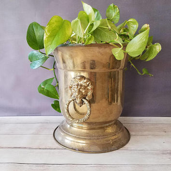 Large Brass Lion Planter/ Vintage Brass Planter/ Large Lion Brass Planter/ Hollywood Regency/ Brass Planter/ Umbrella Stand/ Brass Pot/ Lion