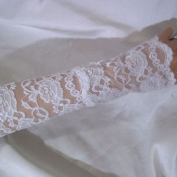Long White Lace Gloves, Bridal Gloves, Long White Fingerless Gloves, Long Formal Gloves, Lace Bride Accessories, Bridal Wear, Arm Warmers