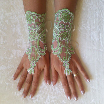 Ivory or Peridot green ivory frame Wedding Gloves, lace gloves, Fingerless Glove,wedding gown, unique Bridal glove,  bridal gloves
