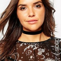 ASOS Curve | ASOS CURVE Basic Velvet Choker Necklace at ASOS