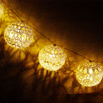 Fairy Lights, String LED Lights, Holiday Lights, Party Lighting, Bedroom Decor lamps,  20 Lace Crocheted balls, garland light