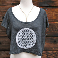 FLOWER OF LIFE Loose Crop Top in Almost Black