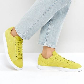 Nike - Blazer - Baskets basses en daim - Jaune at asos.com