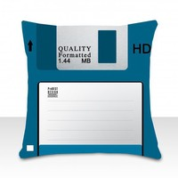 piiqshop - Market Place - cushion floppy disk blue