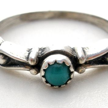 Vintage Sterling Silver Turquoise Ring Size 5