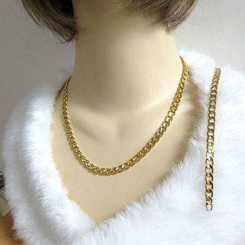 Avon Signed Curb Link Chain Necklace & Bracelet Set Vintage
