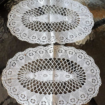 4 Vintage 1950s Hand Crocheted Cotton Lace Oval Doilies/Vintage Home Decor Doilies/Vintage Oval Hand Made Doilies