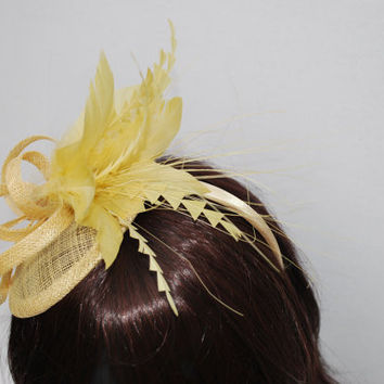 Champagne Gold Fascinator, Womens Tea Party Hat, Church Hat, Derby Hat, Fancy Hat, Champagne Gold  Hat, Cocktail Hat, wedding hat