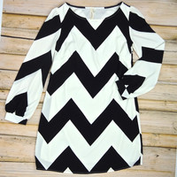 Chevron Striped Shift Dress - Black/White | .H.C.B.