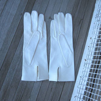 Elegant Snow White Vintage Kid Leather Gloves; Made in Italy - Washable White Leather Gloves; Size 7 - Women's XS Short White Leather Gloves