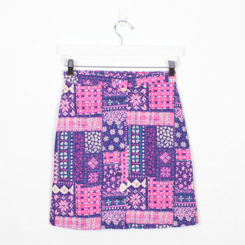 Vintage 70s Mini Skirt Pink Purple Bandana Patchwork Print Hippie Skirt 1970s Skirt Mod Floral Button Front High Waisted Skirt S Small