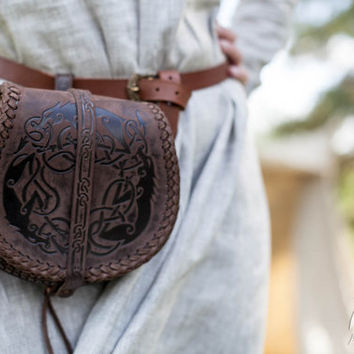 "BLACK FRIDAY SALE! Viking's Leather Bag ""Wolf""; Medieval Men's Pouch; Viking Leather Bag; Medium bag"