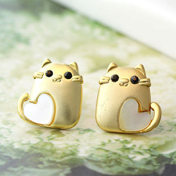 Baby Squirrel Earrings Animal Lovely Heart Stud Earrings Mother of Pearl Heart Gold Plated Nickel Free