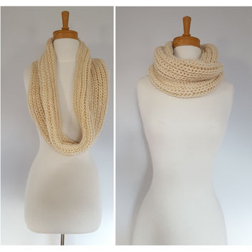 Cream Women Chunky Knit Infinity Scarf, Womens Winter Scarves, Chunky Scarf, Cable Knit scarf,