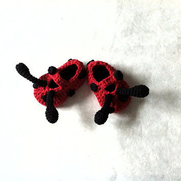 Ladybug Baby Booties by beliz82 on Etsy