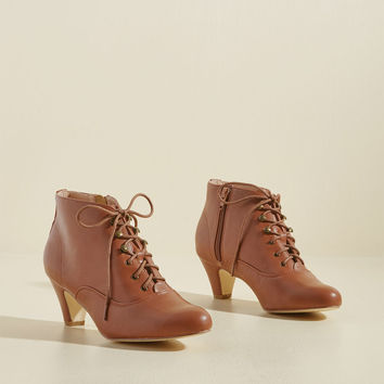 Chelsea Crew Familiar Thrill Bootie in Toffee