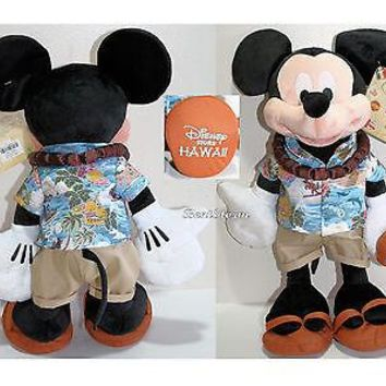 """Licensed cool Disney Store Hawaii EXCLUSIVE 17"""" MICKEY MOUSE Plush with Ukulele & Lei 2015 NEW"""