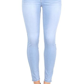 Wax Women's Juniors Timeless Low Rise Stretchy Skinny Jeans (5, Light Denim)